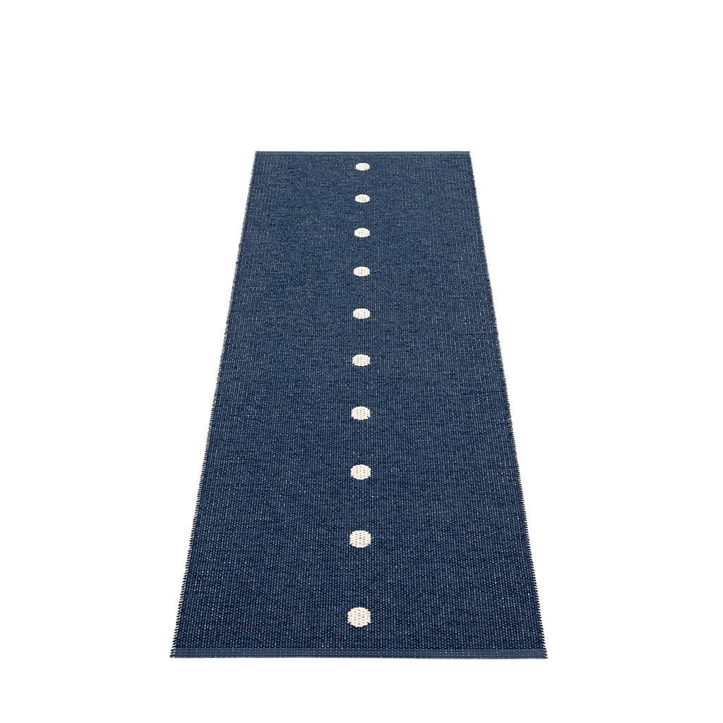 pappelina Peg Outdoor-Teppich - dunkelblau / vanille 70 x 200cm PE3G720