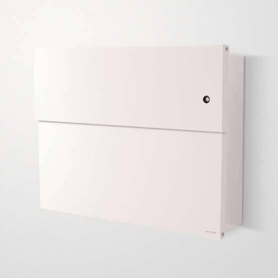Radius Design Letterman XXL 2 Briefkasten weiß (RAL 9003) mit Klingel in rot mit Pfosten in Briefkastenfarbe 568 e-kr