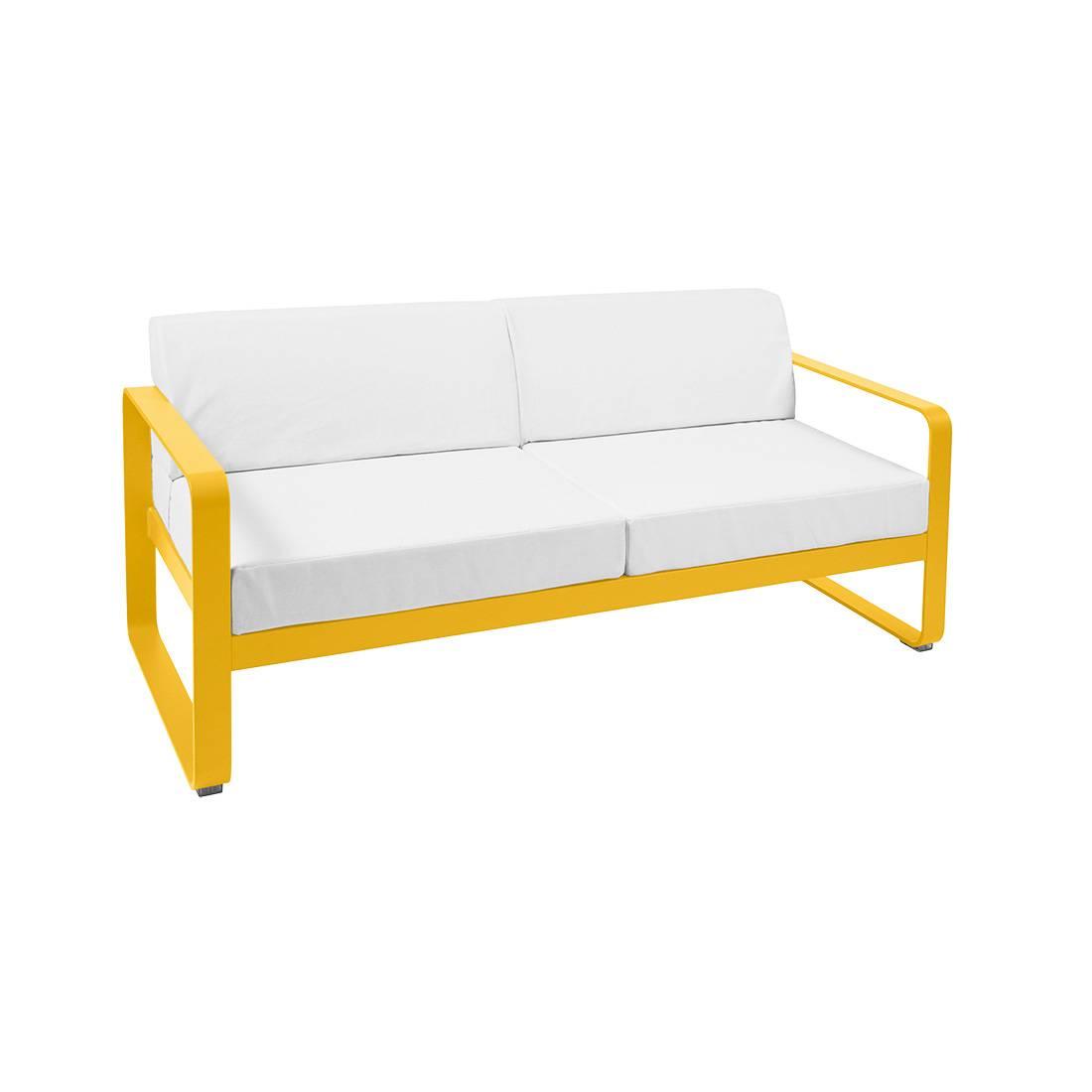 Fermob Bellevie 2-Sitzer Sofa mit grauweißem Kissen honig 8445