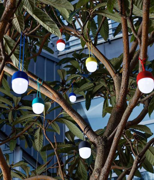 Lexon-Clover-LED-Pendelleuchte-Ambiente-Garten