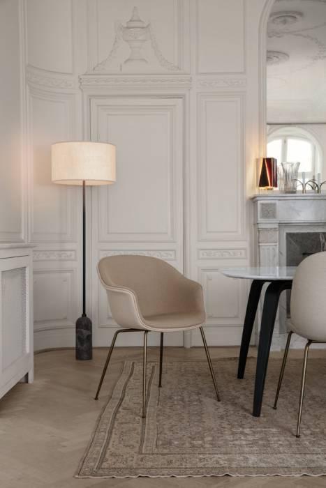 Gubi Bat Dining Chair Stuhl, Metallbeine Messing Antik