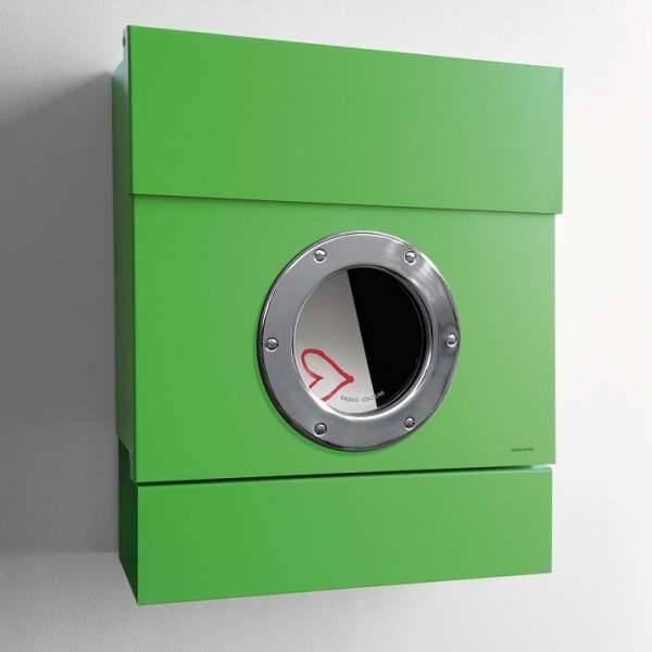 Radius Design Letterman 2 Briefkasten grün (RAL 6018) ohne Klingel mit Pfosten in Briefkastenfarbe 564 b