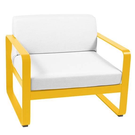 Fermob Bellevie Sessel mit grauweißem Kissen honig 8440
