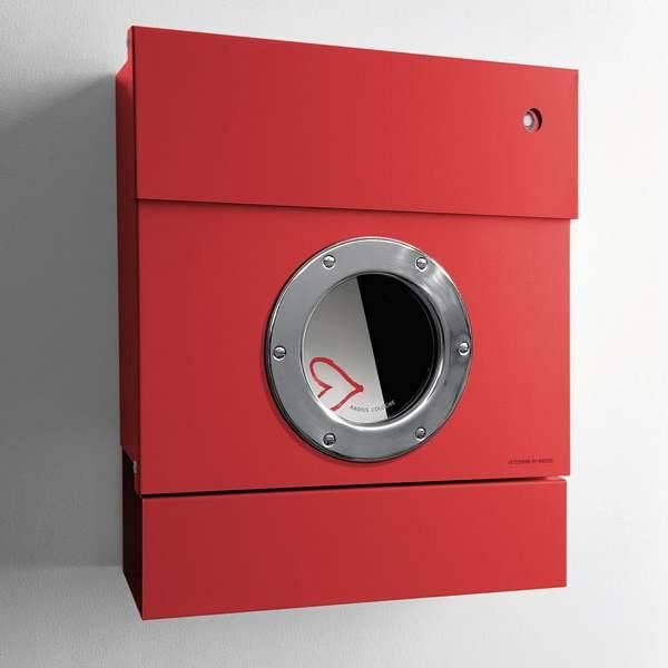 Radius Design Letterman 2 Briefkasten rot (RAL 3020) mit Klingel in rot mit Pfosten in Briefkastenfarbe 564 r-kr