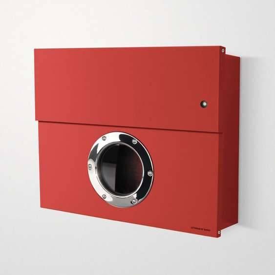 Radius Design Letterman XXL Briefkasten rot (RAL 3020) mit Klingel in rot mit Pfosten in Briefkastenfarbe 567 r-kr
